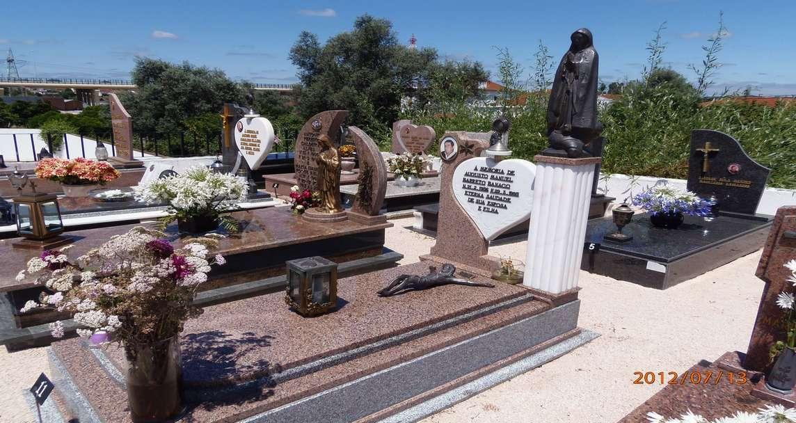 Купить гранитные памятники блоки изготовление памятников самара минск